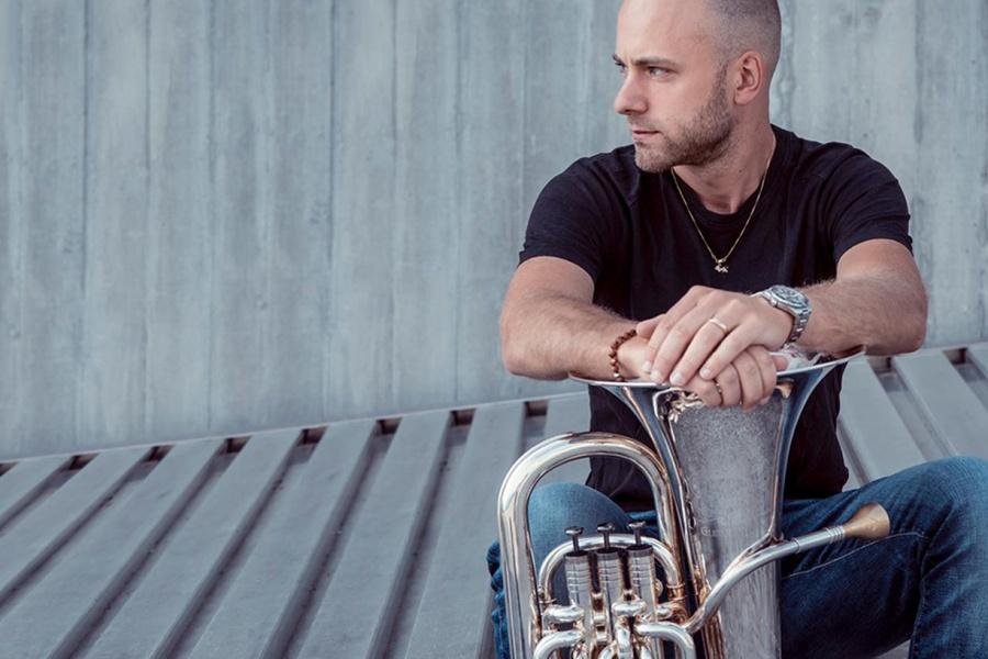 Harmonie Hergenrath & Belgian Horn Squat
